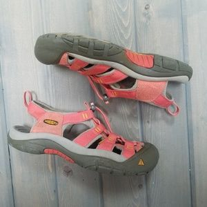 KEEN | Coral Pink Newport H2 Waterproof Sandal 6.5